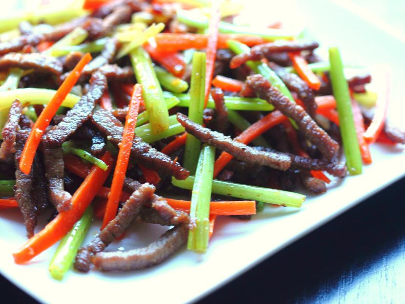 Dry-fried beef with Chinese celery and carrots