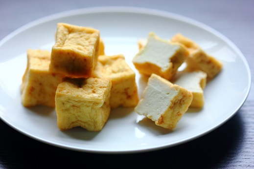 Dried tofu cubes
