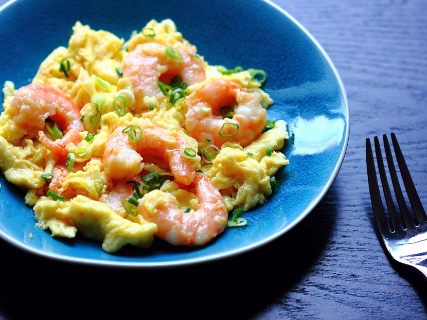 Cantonese style srambled eggs with shrimp