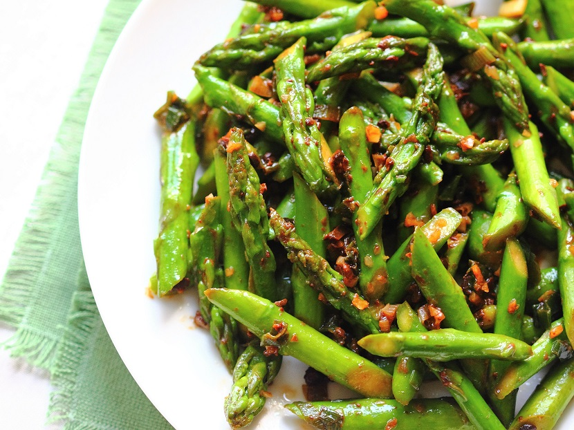 Stir-fried asparagus with fermented black soybeans